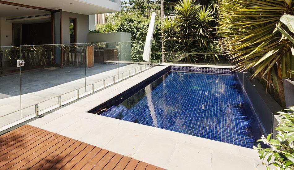 Swimming pool builder wellington