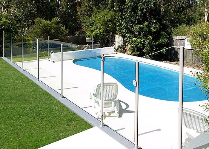 semi frameless glass pool fencing lower hutt